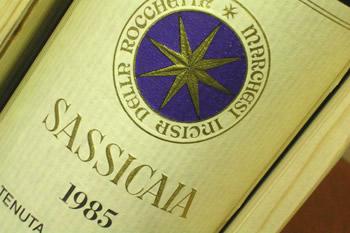 A Shanghai c'è voglia di Toscana, un emissario cinese in visita alla cantina Sassicaia a Bolgheri