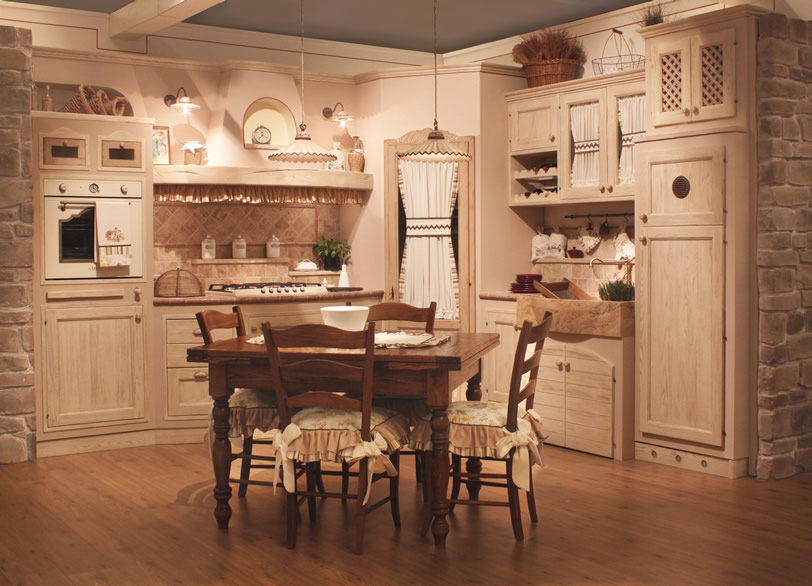 L 39 artigiano arredamenti progettazioen e realizzazione for Arredamento cucina country