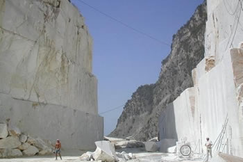 Carrara Marmotec. Il marmo è più forte anche della crisi. In mostra le eccellenze del settore.