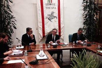 Intesa tra Regione Toscana, sindacati e imprese sulla pelletteria, alleanza sui controlli.